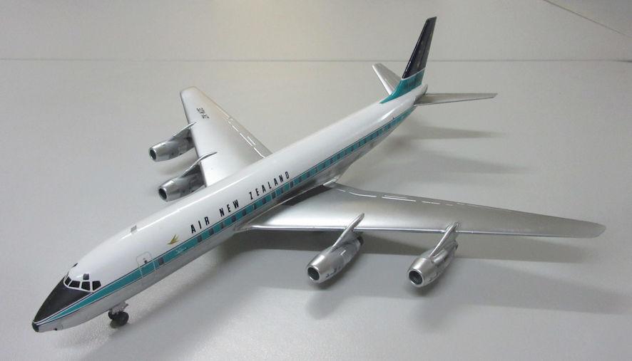 DC-8 a
