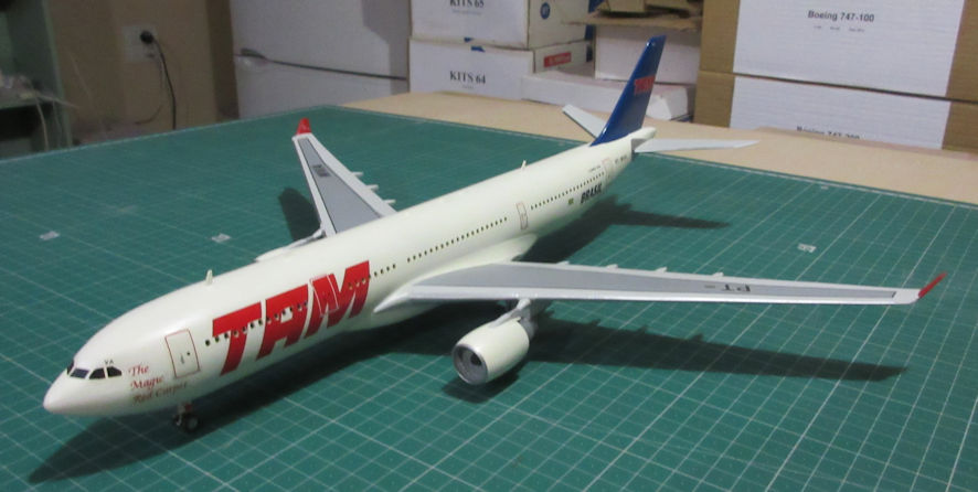 Airbus A330-200 - Revell 144