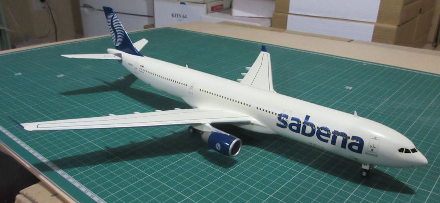 Airbus A330-300 - Revell 144