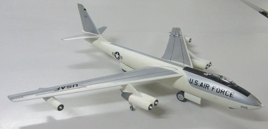 Boeing WB-47B - Academy 72