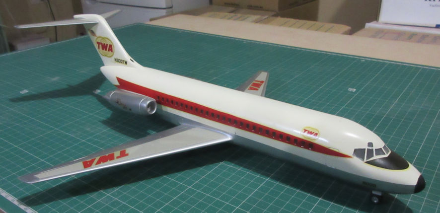 Douglas DC-9-10 - Aurora 72