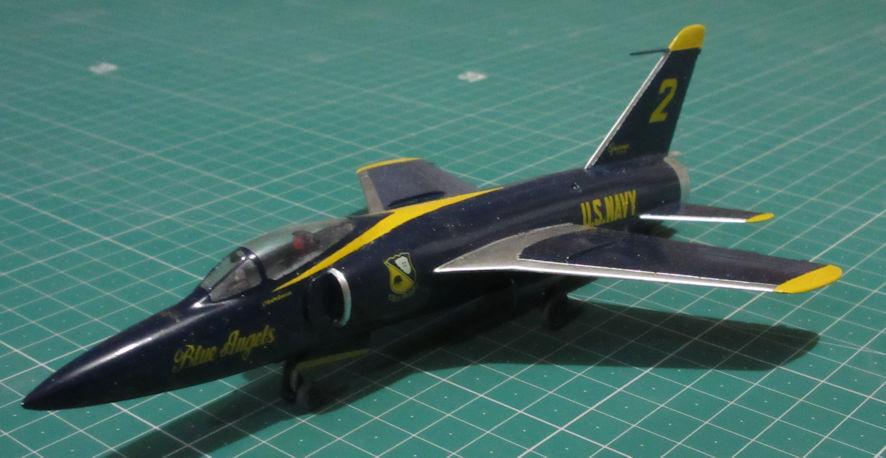 Grumman F11F-1 - Hasegawa 72